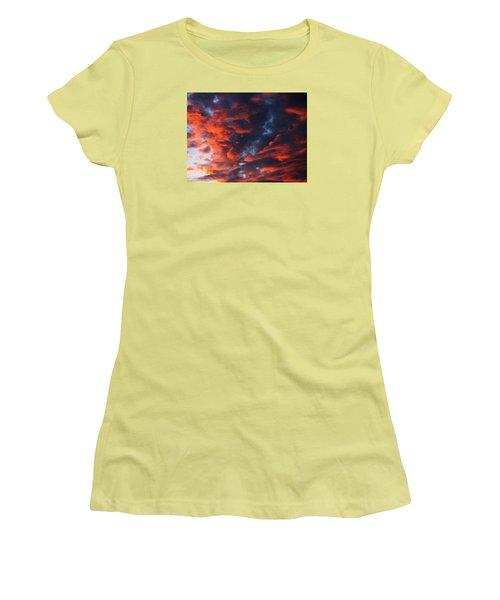 Descending Women's T-Shirt (Athletic Fit)