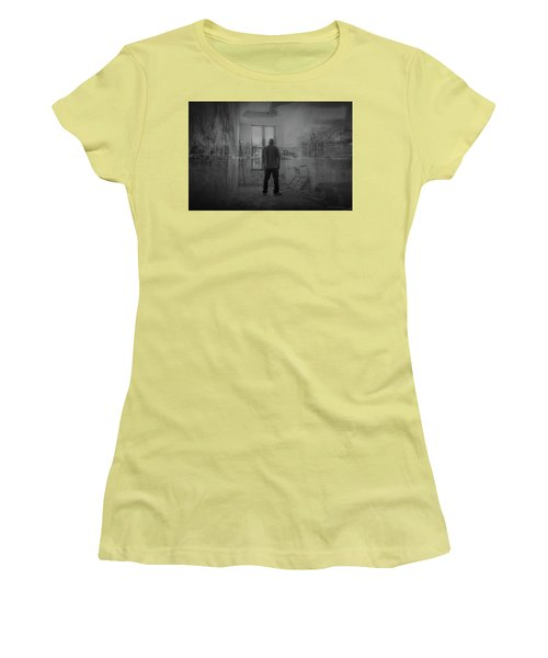 Detroit Urbex  Women's T-Shirt (Athletic Fit)