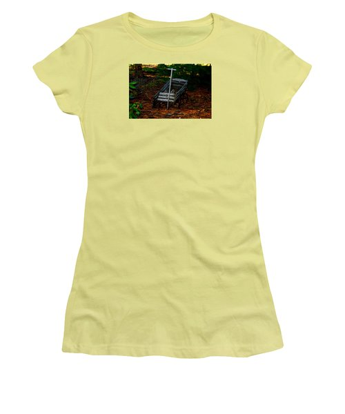 Dilapidated Wagon Women's T-Shirt (Athletic Fit)
