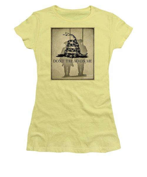 Don't Tread On Me   Rattlesnake Flag Women's T-Shirt (Junior Cut) by Randy Steele