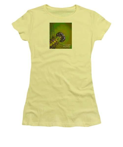 Dragonfly Detail Women's T-Shirt (Athletic Fit)
