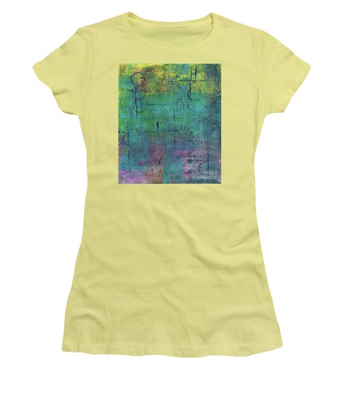 Dreaming 2 Women's T-Shirt (Athletic Fit)