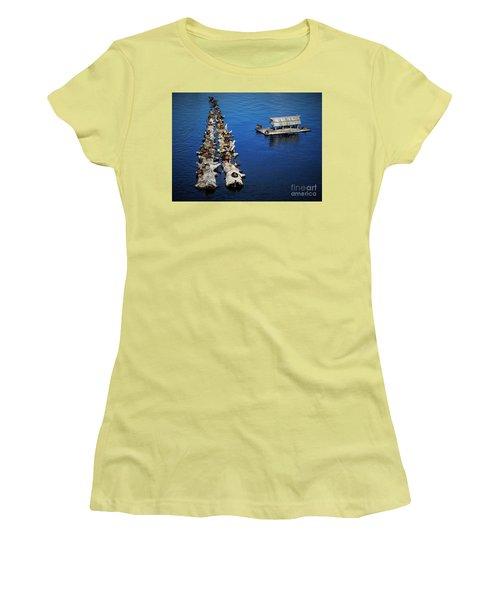 Duck Drop-inn Women's T-Shirt (Athletic Fit)