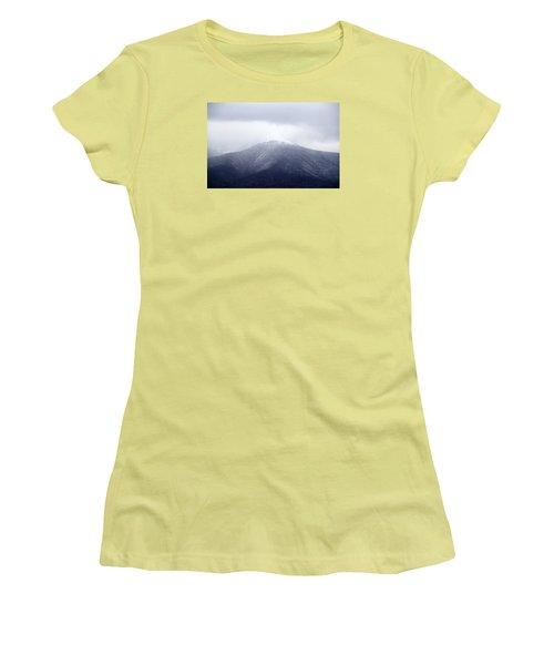Dusting Women's T-Shirt (Junior Cut)