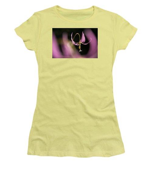Erythronium Revolutum -365-35 Women's T-Shirt (Junior Cut)
