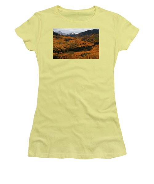 Fall On Full Display At Capitol Creek In Colorado Women's T-Shirt (Junior Cut) by Jetson Nguyen