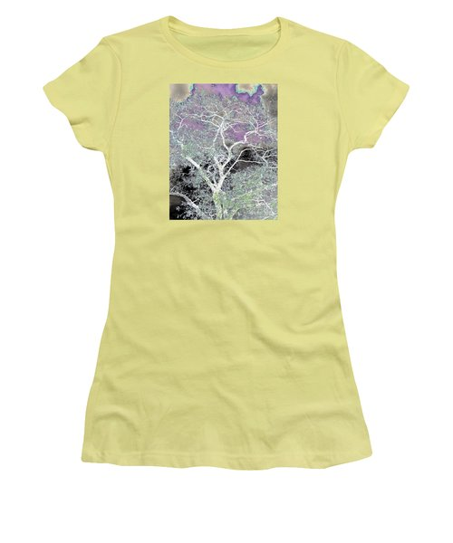 Family Tree Women's T-Shirt (Athletic Fit)