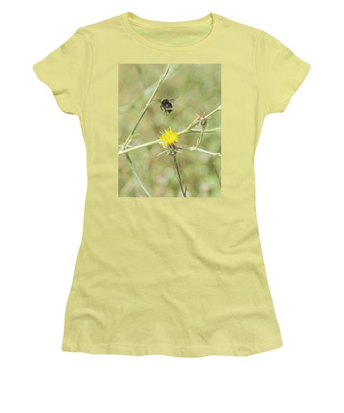 Finnon Bumble Bee Women's T-Shirt (Athletic Fit)