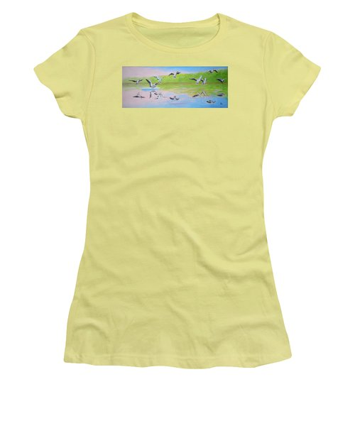 Flying Geese Women's T-Shirt (Athletic Fit)