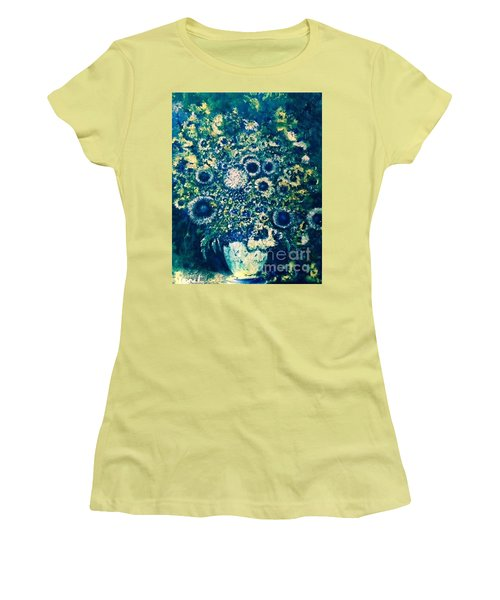 Women's T-Shirt (Athletic Fit) featuring the photograph Forget Me Knot by Laurie L