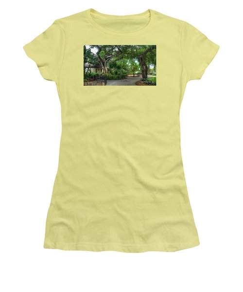 Fort Lauderdale Riverwalk Scenic Women's T-Shirt (Athletic Fit)