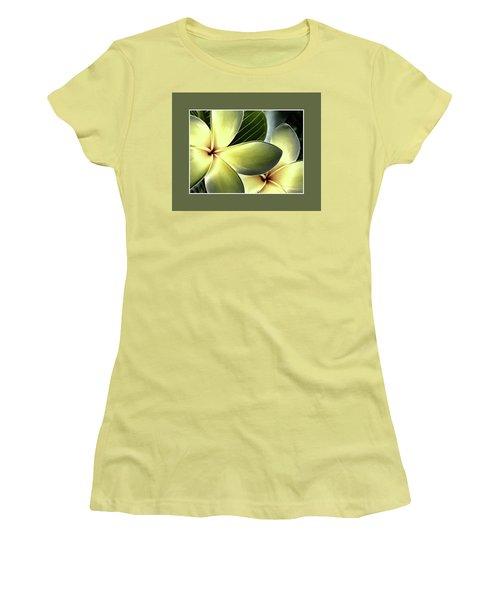 Frangipani - Plumeria Women's T-Shirt (Athletic Fit)