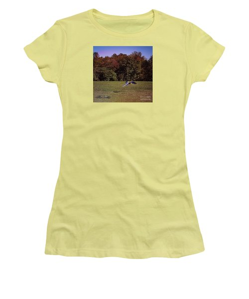 Free Flighted Macaw Women's T-Shirt (Junior Cut) by Melissa Messick