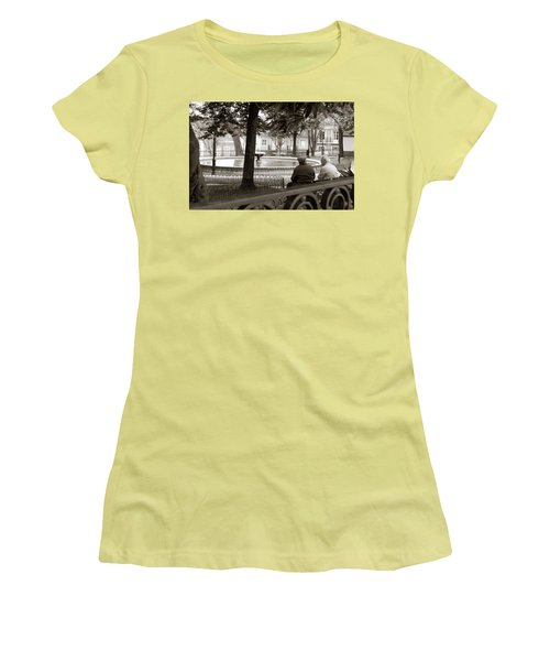 Friends At The Fountain Women's T-Shirt (Athletic Fit)