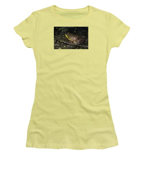 Frog Closeup Women's T-Shirt (Athletic Fit)