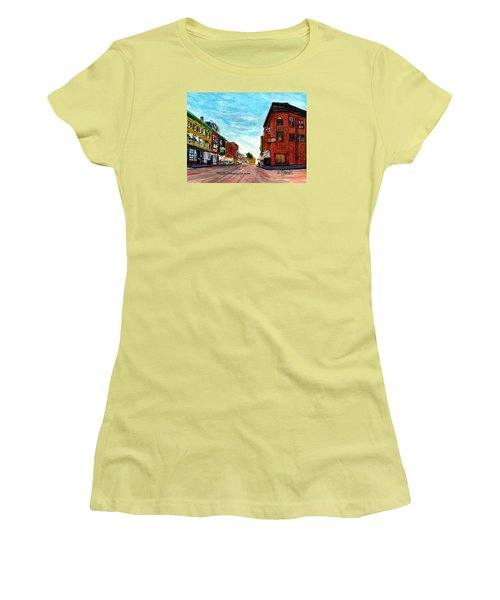 Fuller Building  Women's T-Shirt (Athletic Fit)