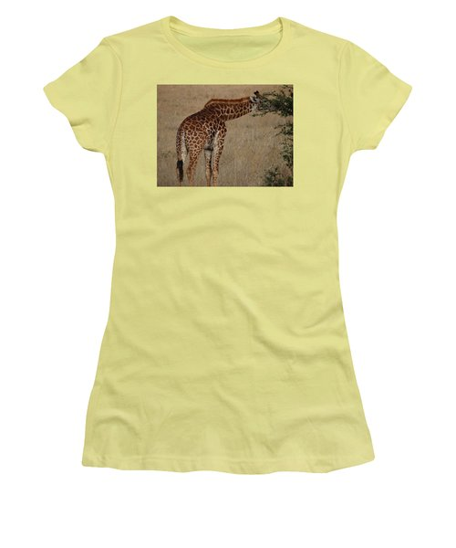 Giraffes Eating - Side View Women's T-Shirt (Athletic Fit)