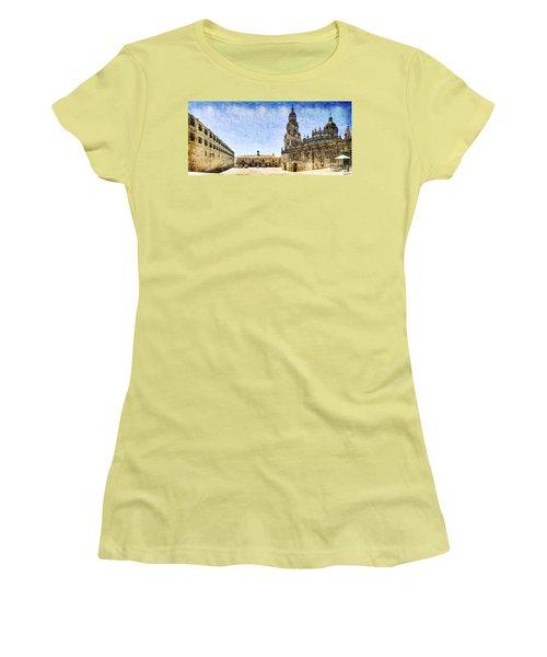 Girl In Santiago - Vintage Version Women's T-Shirt (Athletic Fit)