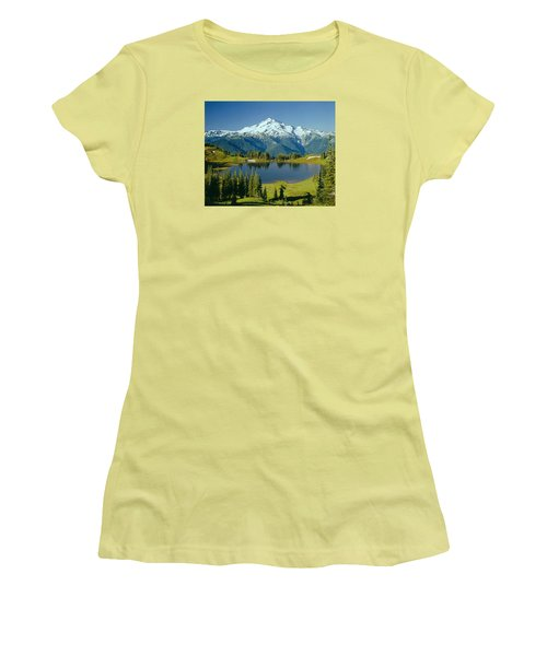 1m4422-glacier Peak, Wa  Women's T-Shirt (Athletic Fit)