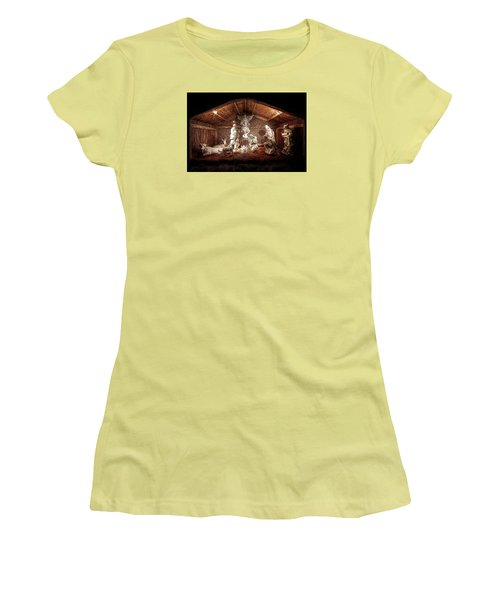 Glory To The Newborn King Women's T-Shirt (Junior Cut) by Shelley Neff