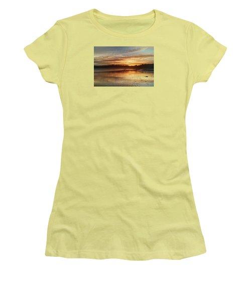 Long Beach I, British Columbia Women's T-Shirt (Athletic Fit)