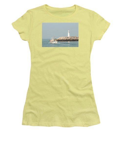 Go Fishing Women's T-Shirt (Athletic Fit)