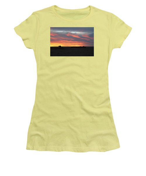 Gobi Sunset Women's T-Shirt (Athletic Fit)