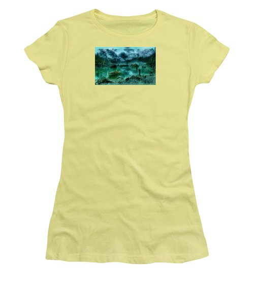 Gollum's Grotto Women's T-Shirt (Athletic Fit)