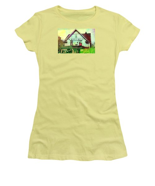 Grand Irish  Women's T-Shirt (Junior Cut) by Susan Stone