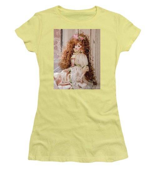 Grandma's Doll Women's T-Shirt (Athletic Fit)