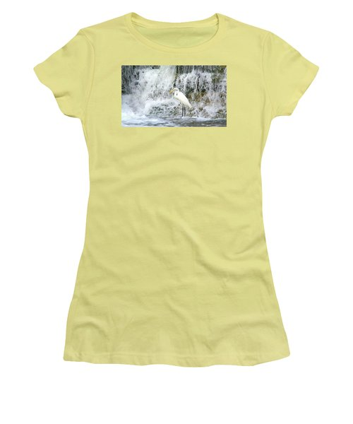 Great Egret Hunting At Waterfall - Digitalart Painting 2 Women's T-Shirt (Athletic Fit)