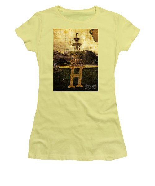 Grungy Melbourne Australia Alphabet Series Letter H Hochgurtel F Women's T-Shirt (Athletic Fit)