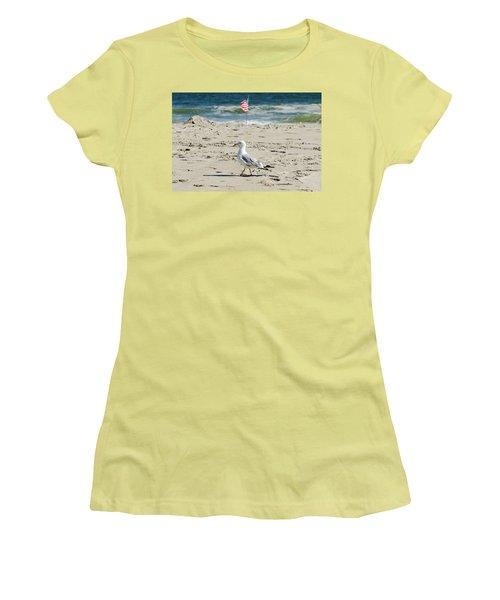 Gull And Flag Rockaway Beach Women's T-Shirt (Athletic Fit)