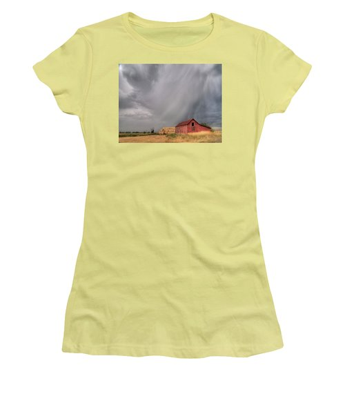 Hail Shaft And Montana Barn Women's T-Shirt (Athletic Fit)