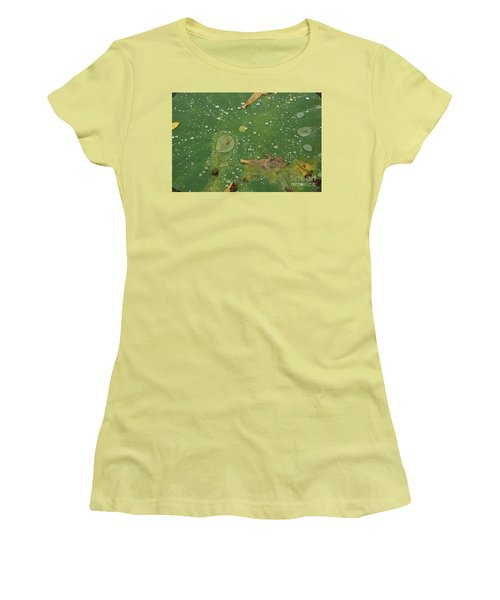 Hawaiian Lilly Pad 2 Women's T-Shirt (Athletic Fit)