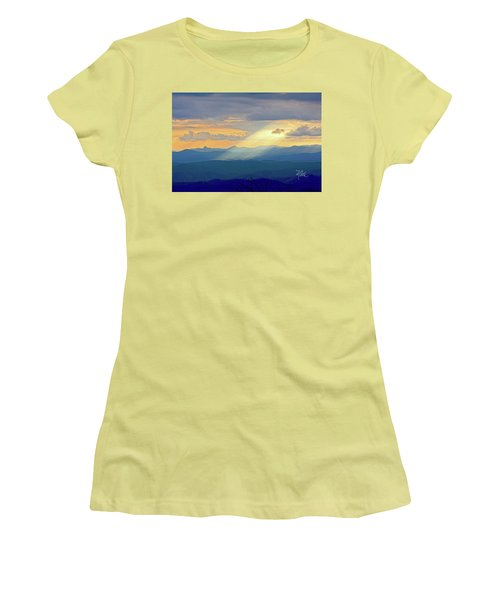 Hawks Bill Mountain Sunset Women's T-Shirt (Athletic Fit)