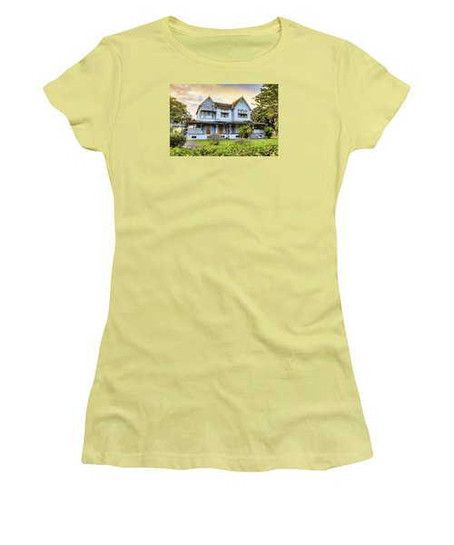 Hayes Court Women's T-Shirt (Athletic Fit)