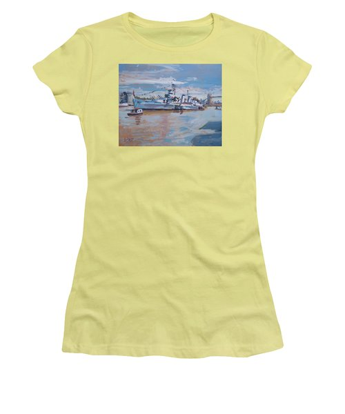 Hms Belfast Shows Off In The Sun Women's T-Shirt (Athletic Fit)