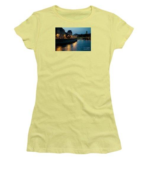 I Love Paris Women's T-Shirt (Athletic Fit)