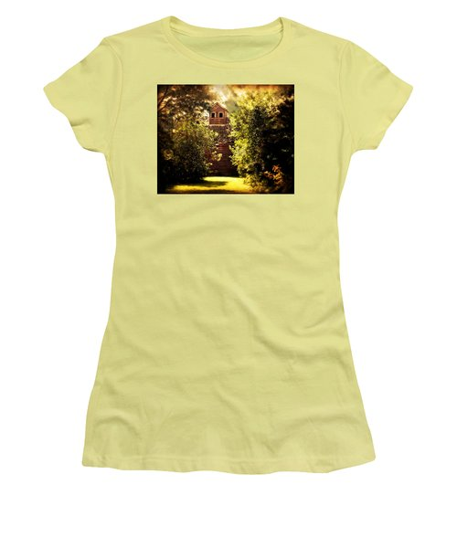 Women's T-Shirt (Junior Cut) featuring the photograph I See You by Julie Hamilton