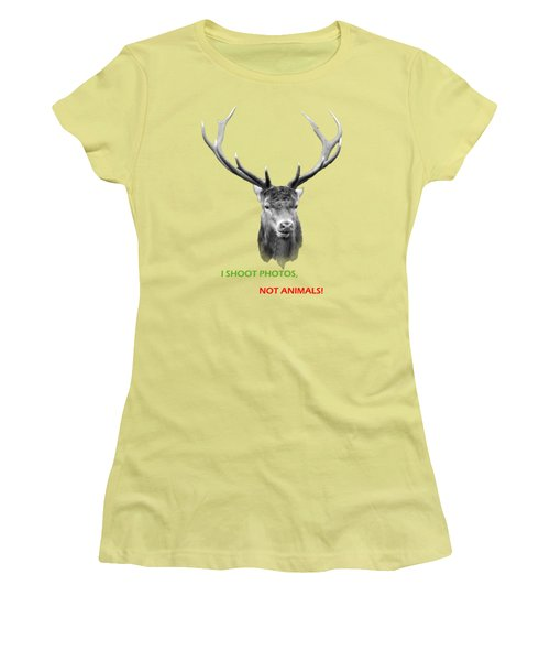 I Shoot Photos Women's T-Shirt (Junior Cut) by Jivko Nakev