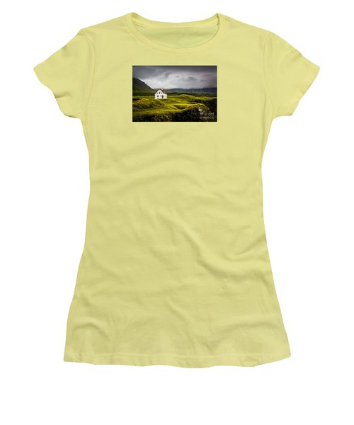 Iceland Scene Women's T-Shirt (Athletic Fit)