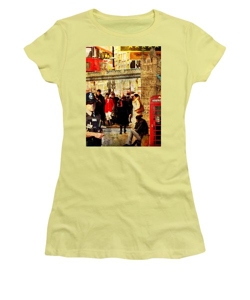 Iconic London Women's T-Shirt (Athletic Fit)