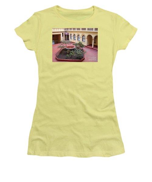 Isham Gardens Women's T-Shirt (Junior Cut)