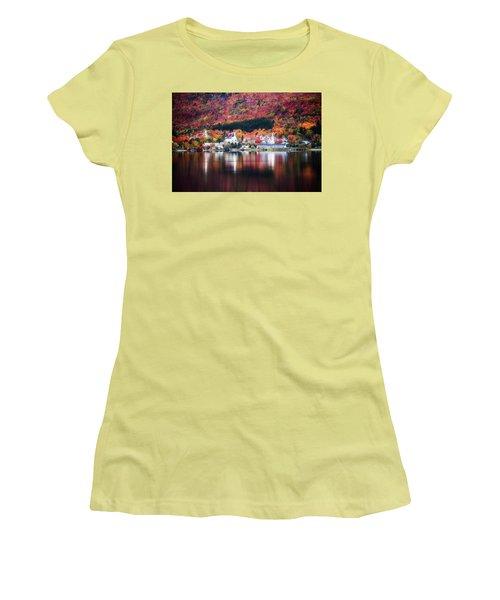Island Pond Vermont Women's T-Shirt (Athletic Fit)