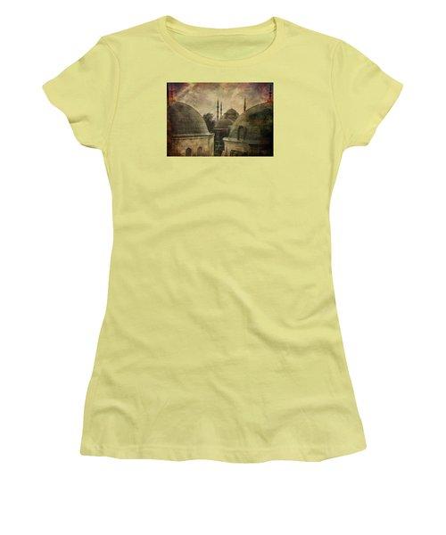 Istambul Mood Women's T-Shirt (Junior Cut) by Vittorio Chiampan