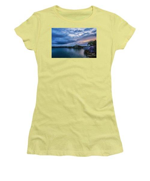 Jefferson Memorial Dawn Women's T-Shirt (Athletic Fit)