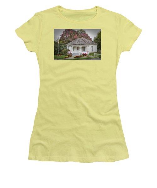 John Wayne Birthplace Women's T-Shirt (Athletic Fit)
