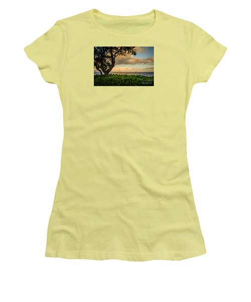Ka'anapali Plumeria Tree Women's T-Shirt (Athletic Fit)