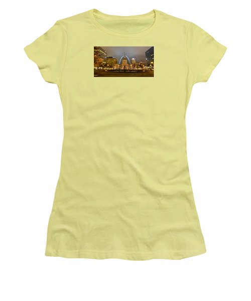 Kiener Plaza And The Gateway Arch Women's T-Shirt (Athletic Fit)